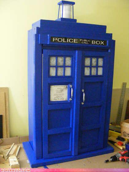 TARDIS Bookshelf! Can You Dig It?!