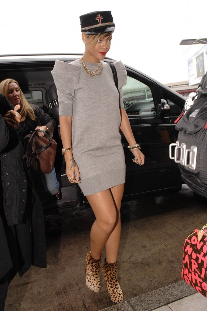 Rihanna-Turned-Away-From-Church-682x1024