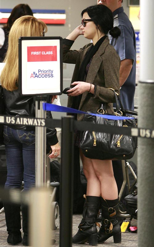 EXCLUSIVE: Demi Lovato At The Burbank Airport