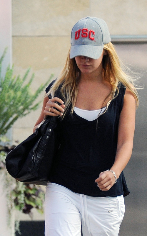 ashley tisdale 261009