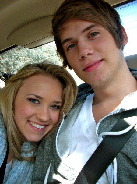 Emily Osment And Tony Oller On A Date? - RandomOverload