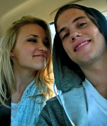 tony-oller-emily-osment-dating%20(6)