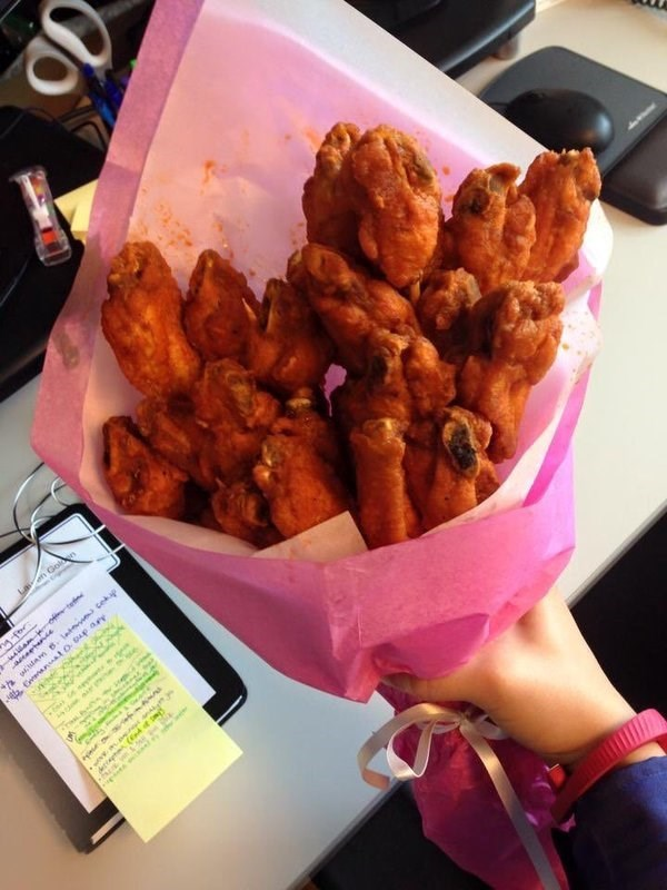 wings,bouquet,food,win,dating,Valentines day