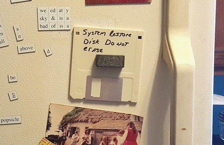 erased,FAIL,technology,floppy disk,classic